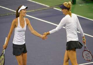 sony open martina hingis wins 1st doubles title...
