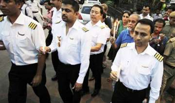 agitating air india pilots seeks pm sonia s...