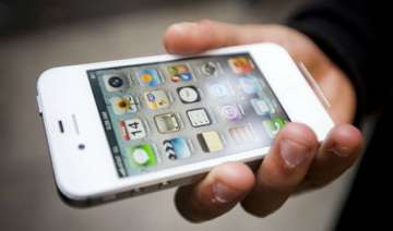 apple slashes iphone 4s prices in india - India TV