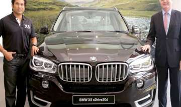 bmw india rolls out bmw x5 - India TV