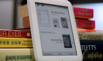barnes noble unveils new nook glowlight for 119 -...