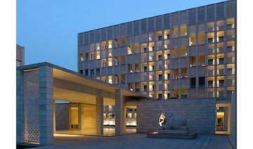 dlf may announce aman resorts sale within weeks -...
