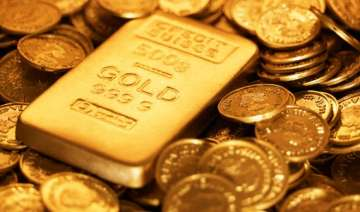 gold snaps 3 day fall up by rs 120 - India TV