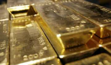 gold down by rs 50 silver up by rs 150 - India TV