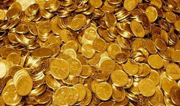 gold down by rs 230 to rs 29 310 - India TV