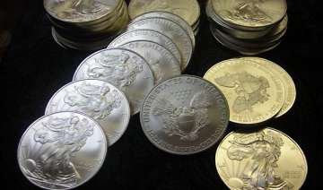 gold gains rs 225 silver rs 1 600 - India TV