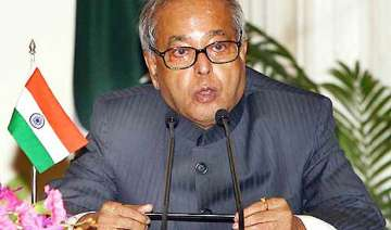govt will stick to fiscal deficit target pranab -...