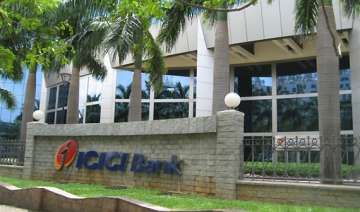 icici bank q4 net up 31 pc to rs 1 902 cr - India...