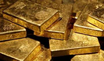 gold plunges rs 180 on global cues snaps two day...