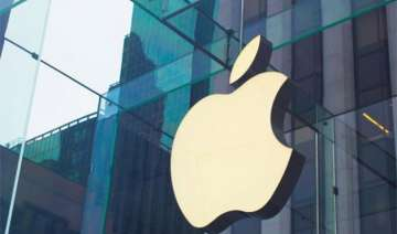 apple still leads but samsung fast catching up in...