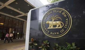 after rate cut rbi asks banks to review lending...