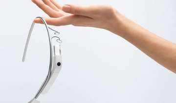 google erases all glass data starts working on a...