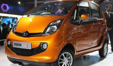 tata motors offers to buy old nanos - India TV