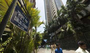 infosys ruins the day sensex slips 175 pts as it...