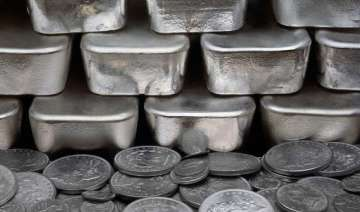 silver futures climb to rs. 453 per kg - India TV