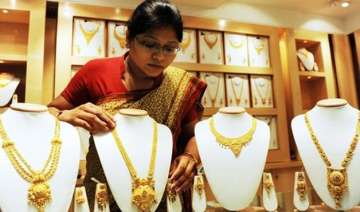 india overtakes china becomes biggest gold...