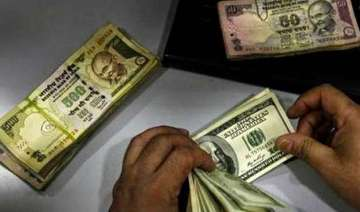 rupee fell by 7 paise against dollar - India TV