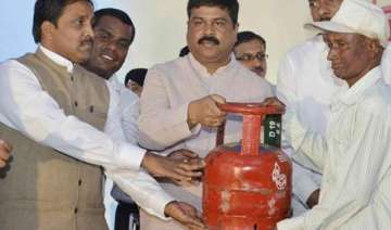 5 kg lpg cylinder launched for the benefit of bpl...