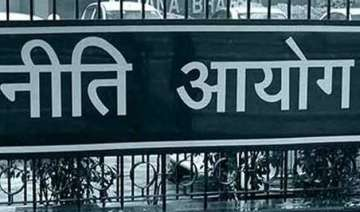 niti aayog to hire chief economist for policy...