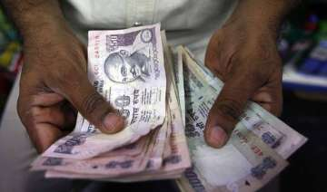 rupee bounces back by 5 paise vs dollar to 63.67...