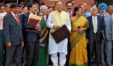 budget 2016 for every re in govt kitty 21 paise...