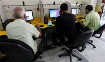 it sector employees earn highest salary of rs 342...