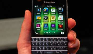 keyboard equipped blackberry q10 hits us stores -...