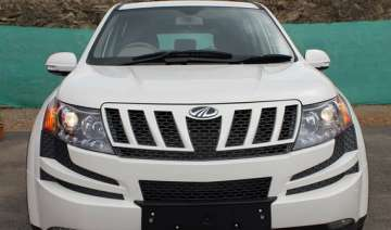 mahindra to launch lower variant of xuv 500 this...