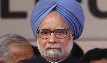 manmohan singh for new thinking on rbi s monetary...