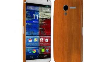 motorola moto x with wood backs all set to arrive...