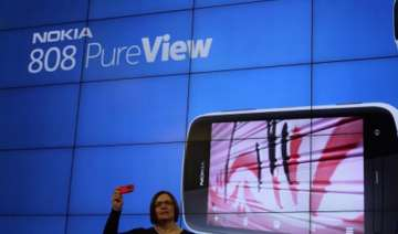 nokia launches pureview 808 smartphone in india...
