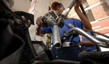 petrol cheaper by rs 2 a litre - India TV
