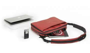 phorce smart bag charges your gadgets on the go -...