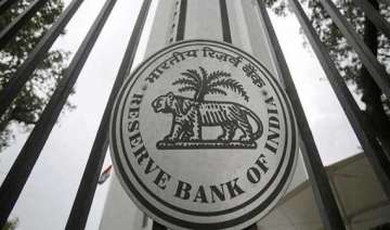 rbi extends date for exchanging pre 2005 currency...
