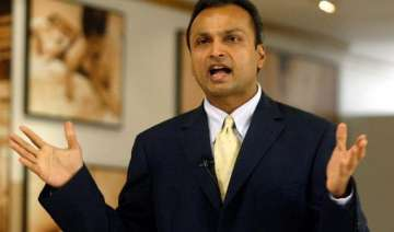 reliance capital rallies 4 on talks of bidding...