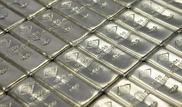 silver zooms up by rs 1950 to rs 55 500 - India TV