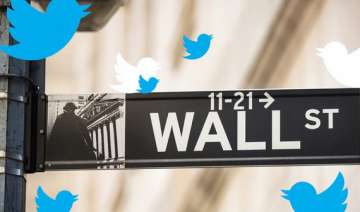 twitter dishes tantalizing tidbits in ipo...