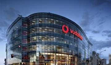 vodafone ordered to pay compensation of rs 10 000...