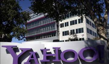 yahoo s search engine leans on yelp for help -...