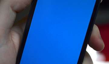 iphone 5s users report blue screen of death...