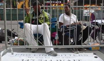 man makes 1000 a week by waiting in lines - India...