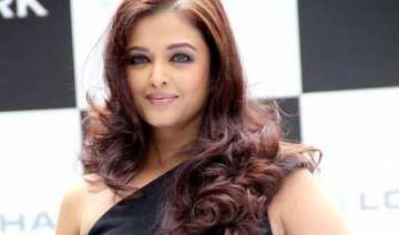 aishwarya lashes out on being called as a senior...