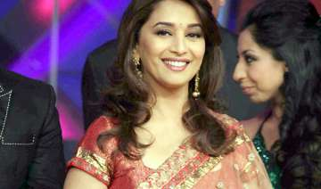 another kind gesture by madhuri dixit - India TV