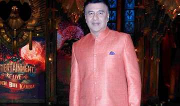 anu malik gifts his ring to commoner - India TV