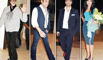 big b salman akshay descend on farah khan s griha...