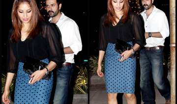 newly engaged bipasha basu harman baweja spotted...