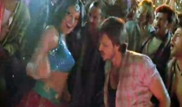 bipasha refuses to do item song with vivek oberoi...