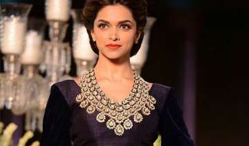 omg deepika padukone gets rs 8 crore for bajirao...