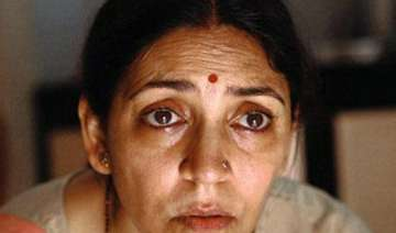 deepti naval makes friendly appearance in ba pass...