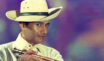 dev anand the evergreen hero takes his last bow -...